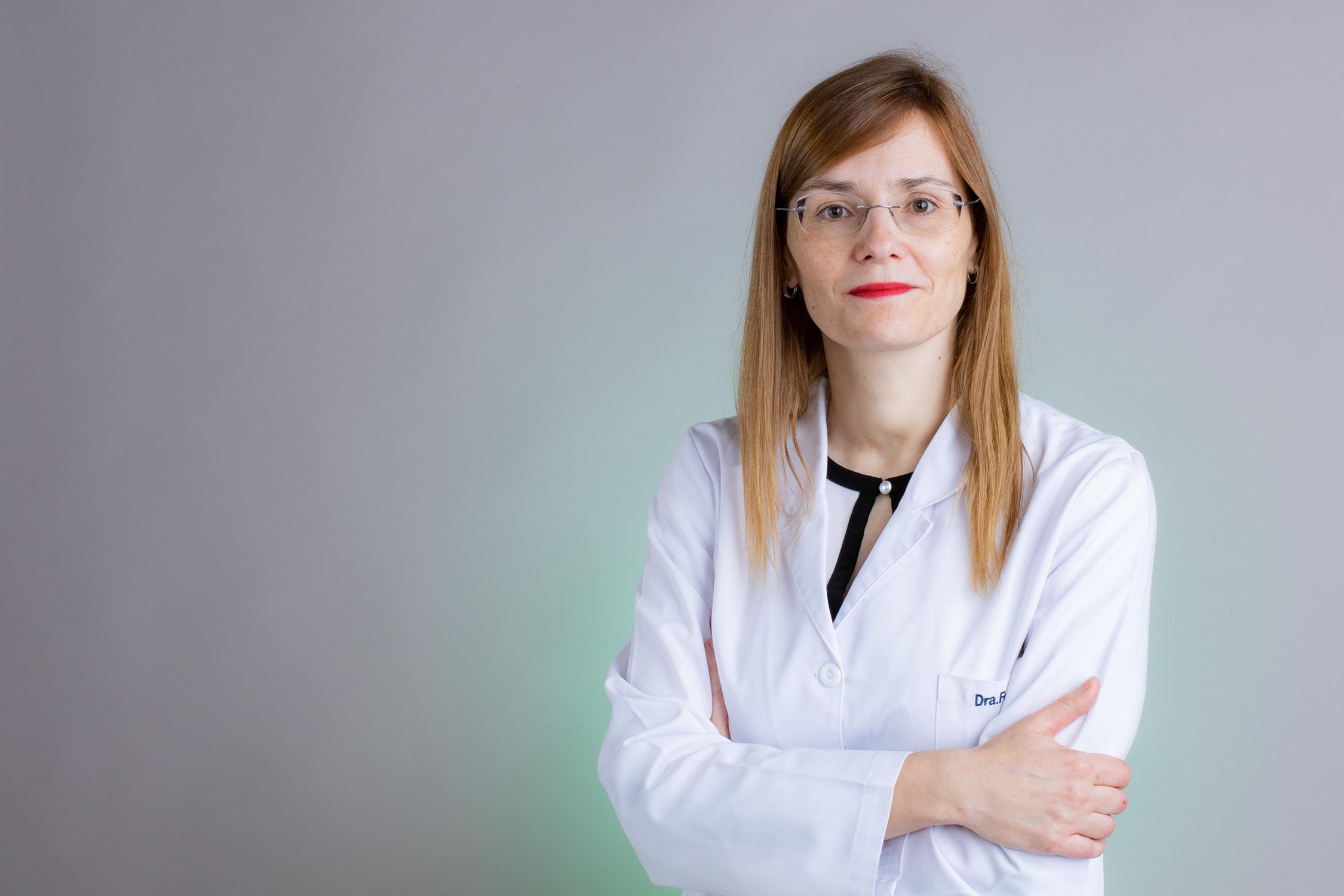 La traumatóloga del Hospital Cosaga Ana Belén Fernández Cortiñas, entre los mejores 50 especialistas de España